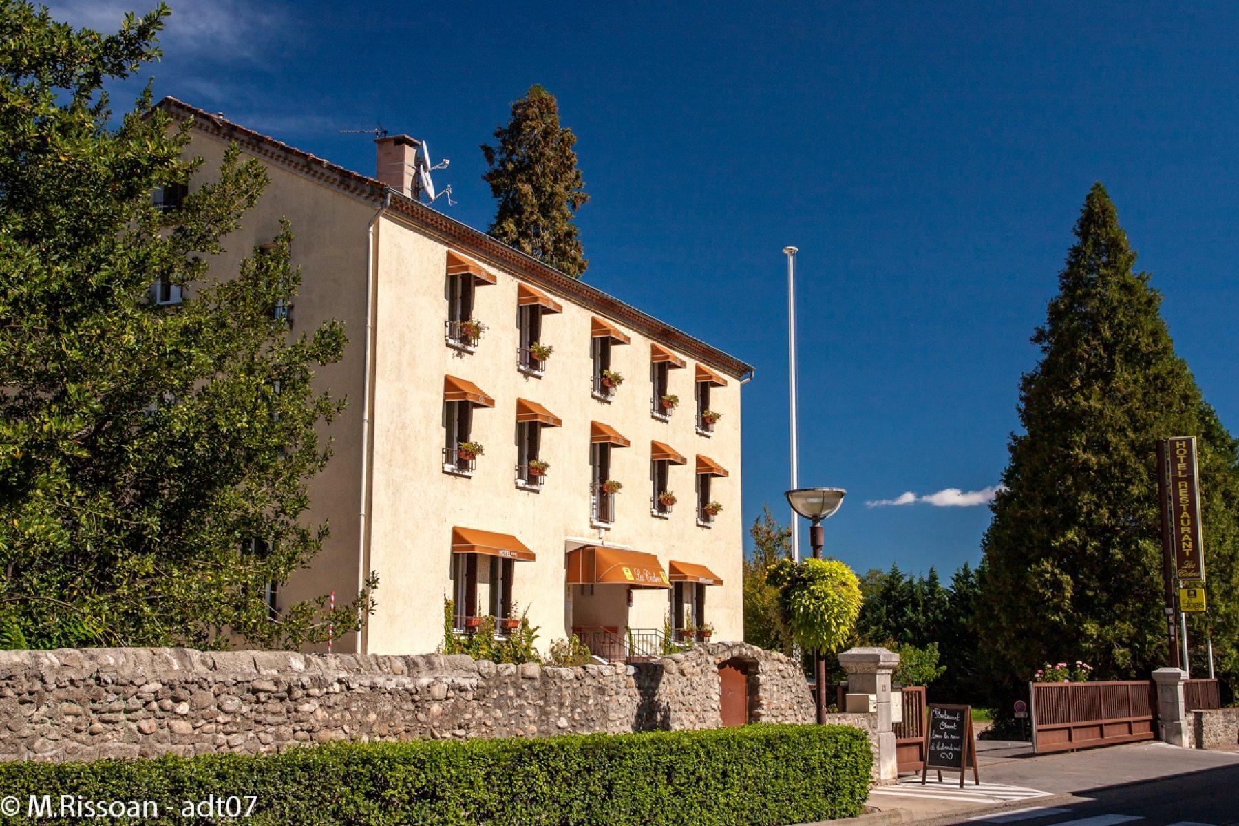 Hôtel les Cèdres